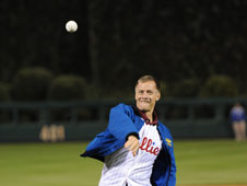 Astronaut Chris Ferguson throws out first pitch