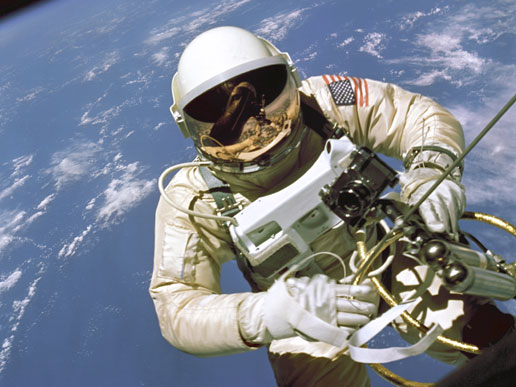 Astronaut Ed White walks in space
