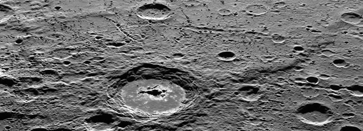Messenger captures images from Mercury's surface