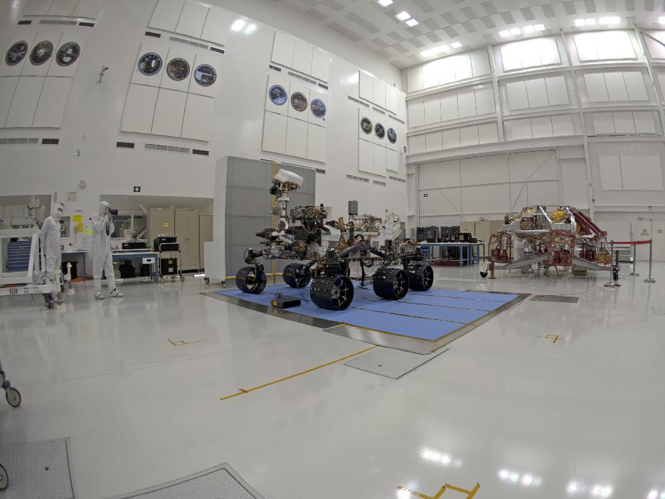 Stereo (left) fish-eye view of NASA's Curiosity rover