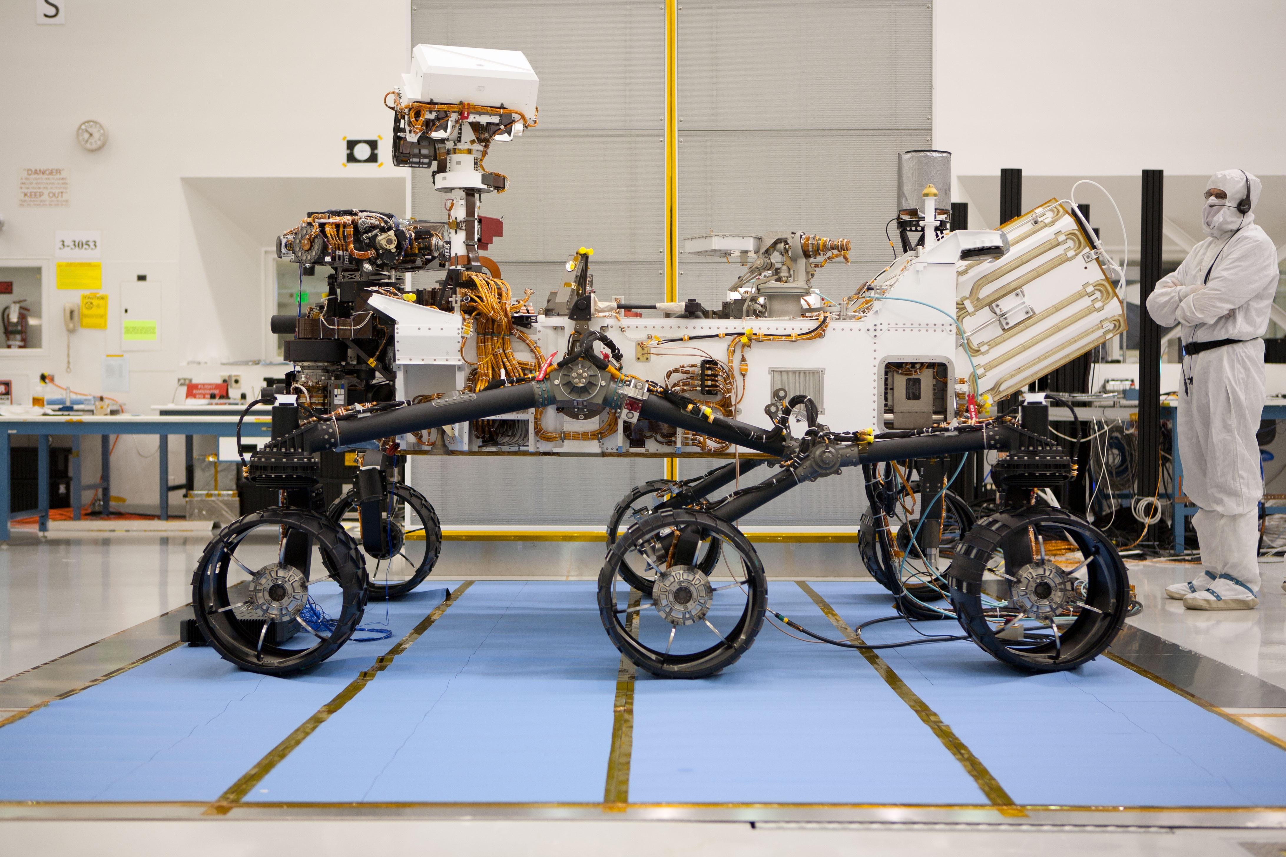 4368 x 2912 Side view of Nasa's newest Mars rover ...