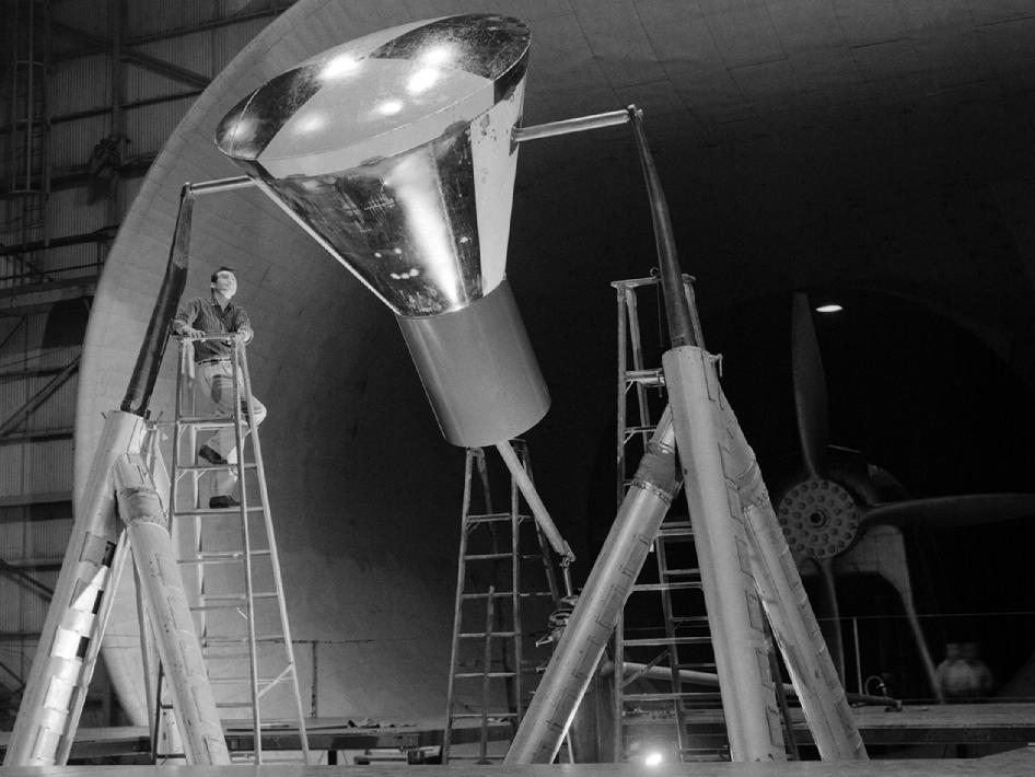 Mercury space capsule undergoes testing