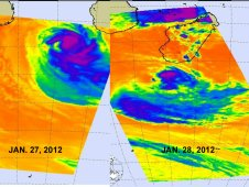 AIRS captured infrared images and cloud temperatures of Funso on Jan. 27 (left) and Jan. 28 (right).