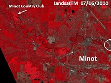 Comparison of Minot, N.D., and Souris River Valley during normal river flow conditions (Landsat Thematic Mapper data). (NASA)