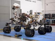 The MSL Curiosity rover in the assembly facility.