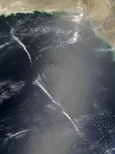 Gravity wave shown affecting Earth's cloud cover