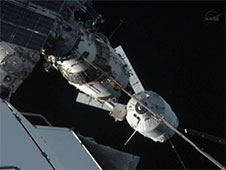 The ATV-3 approaches the station.