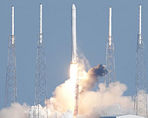 The SpaceX Dragon/Falcon 9 launches in the first demonstration flight.