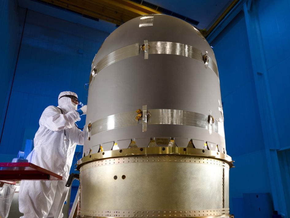 Integration of MAVEN Propellant Tank
