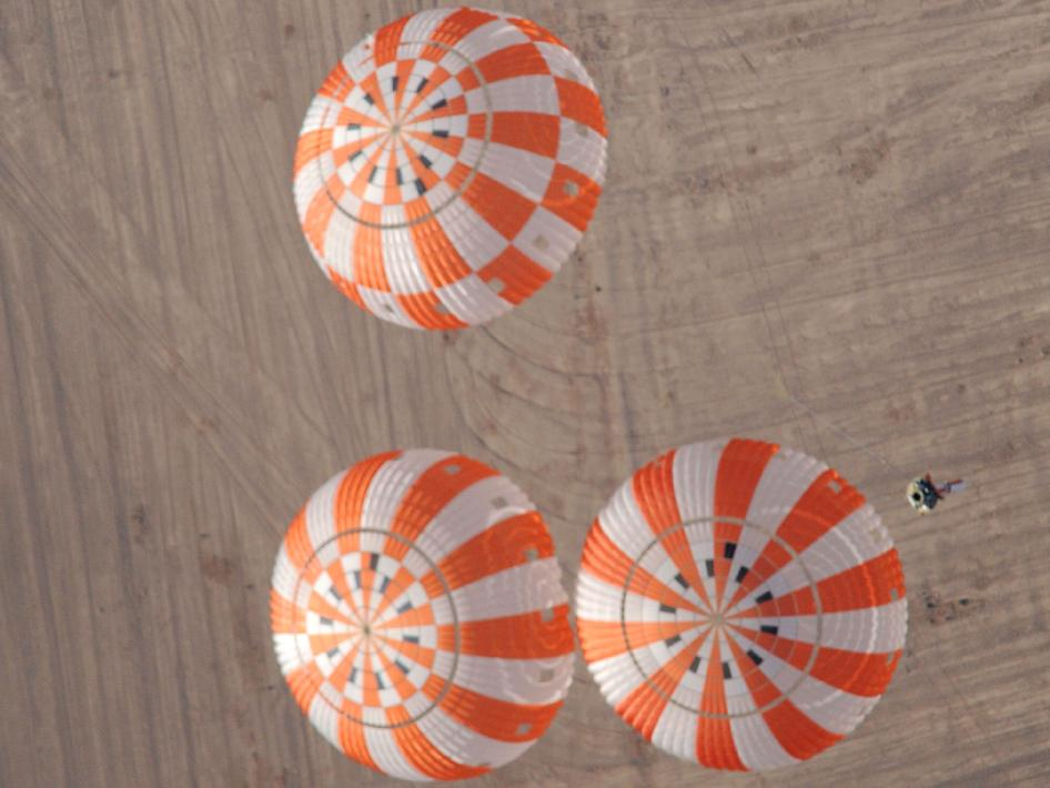 Orion crew vehicle parachute testing