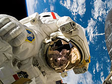 Astronaut Piers Sellers spacewalking
