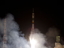 Soyuz TMA-03M rocket launches