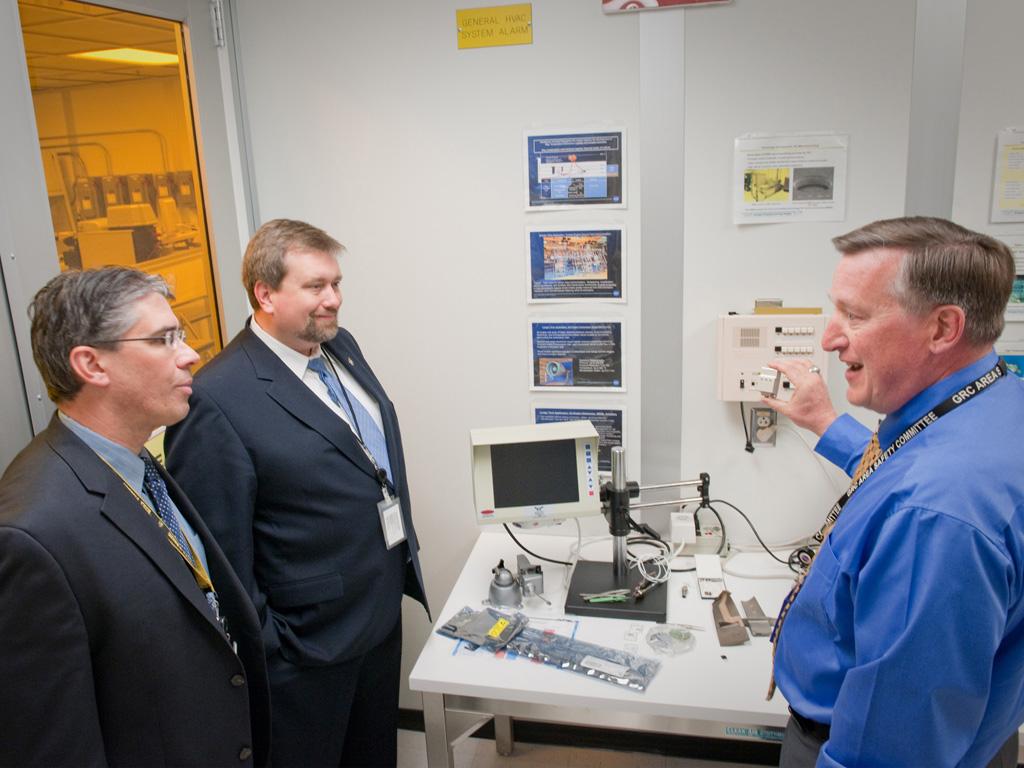 NASA - Chief Technologist Mason Peck Visits NASA GRC