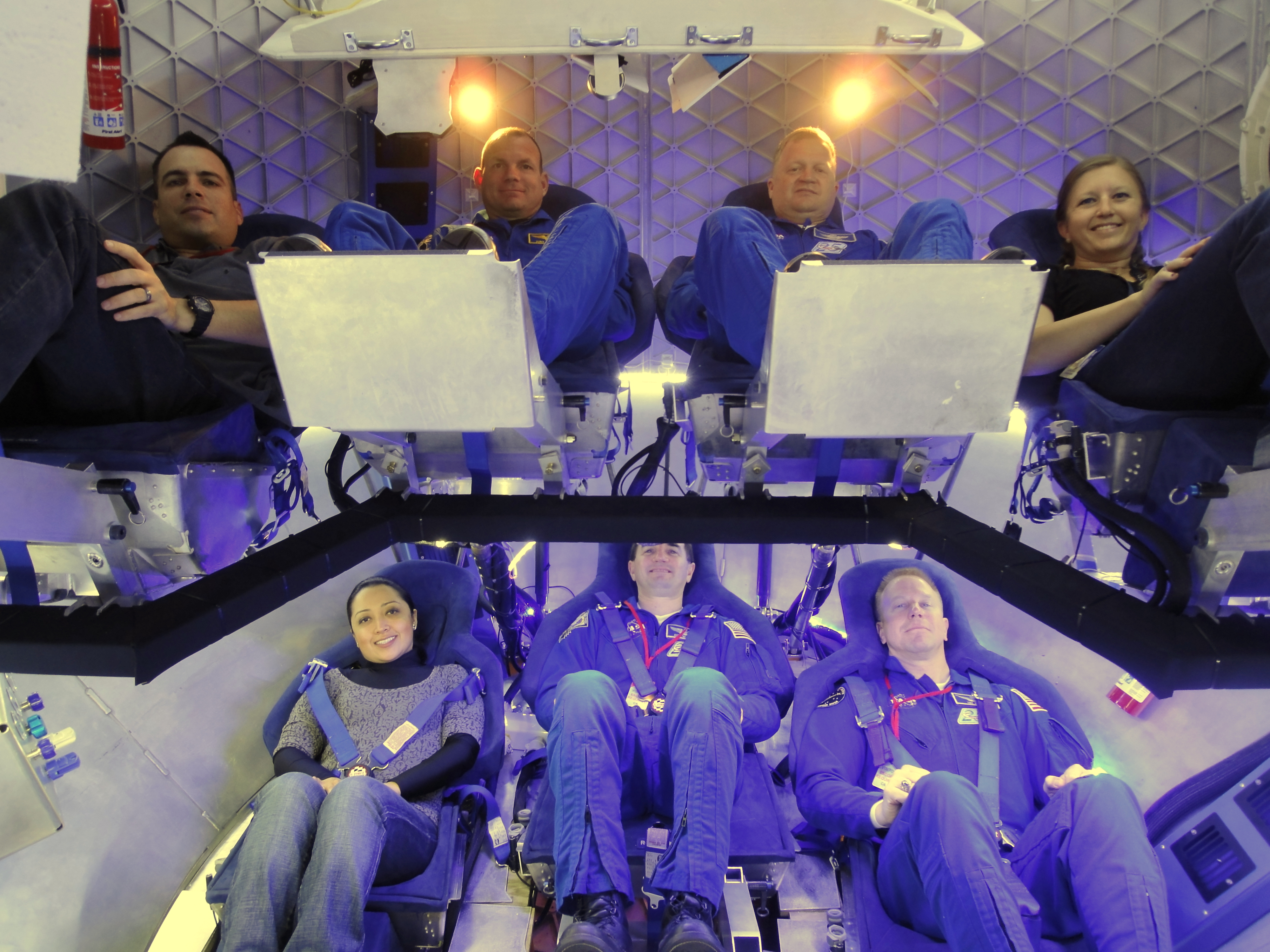 dragon 2 spacecraft interior - photo #20