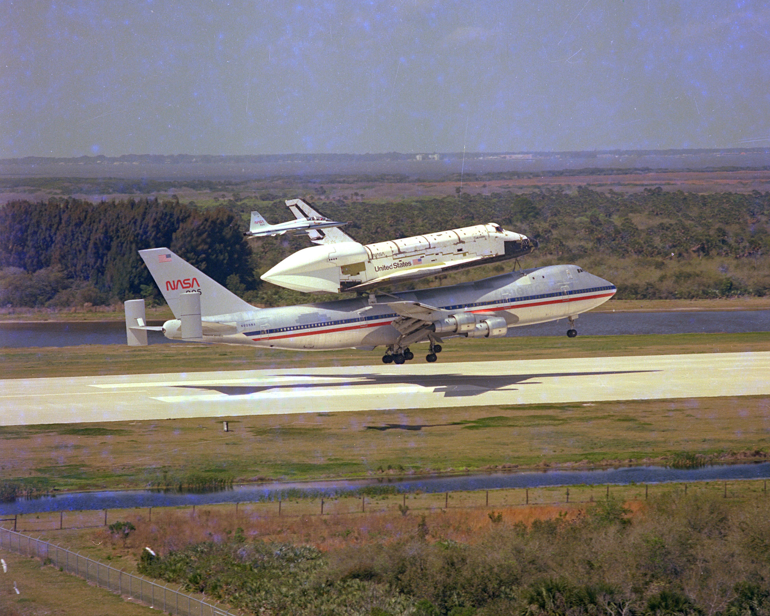 Space Shuttle Piggyback On 747 - Pics about space