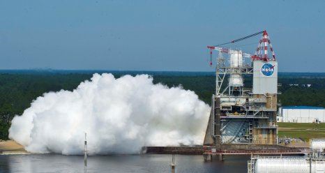 40 second J2x engine test on May 25, 2012