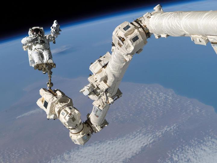 astronaut reaching space - photo #20
