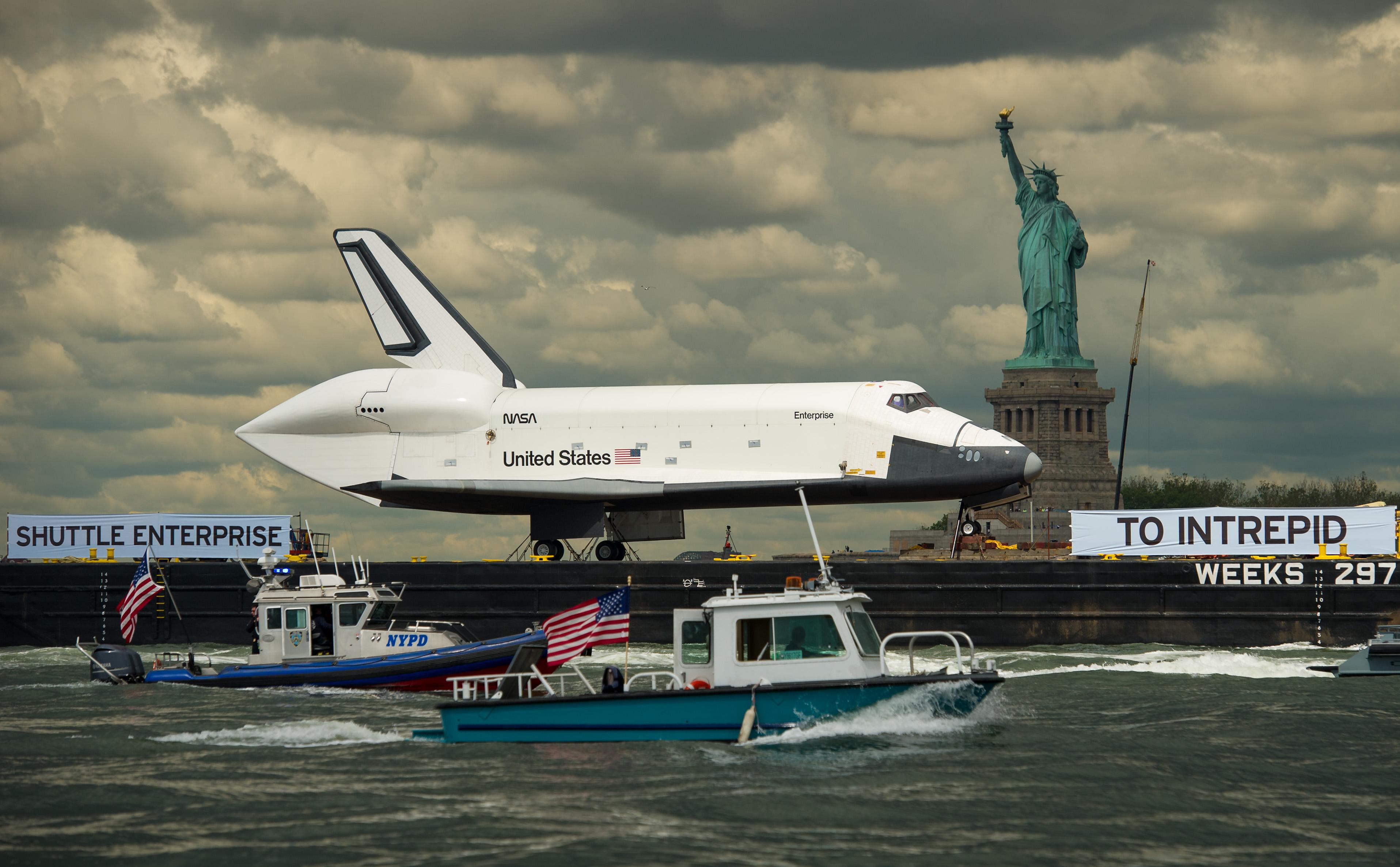 Space Shuttle Enterprise | the Net economy