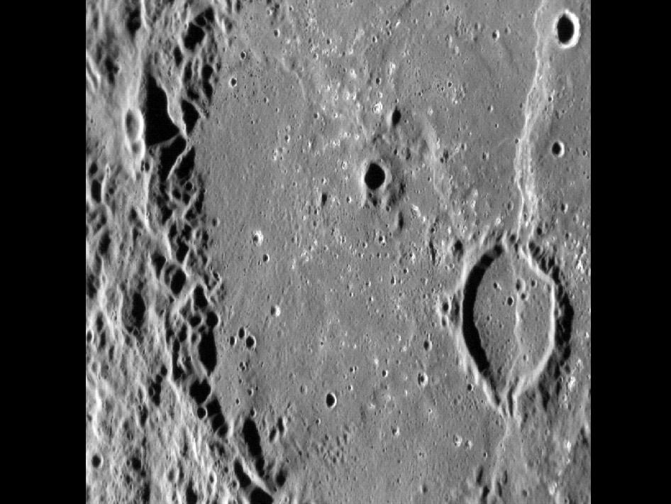 Image from Orbit of Mercury: Dario Basin: Complex Cross-cuts