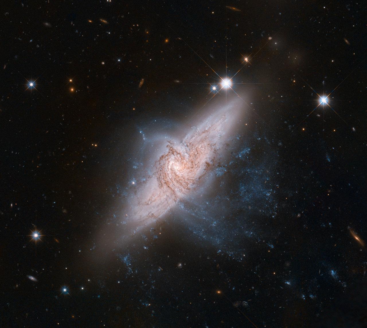 NASA - Chance Alignment Between Galaxies Mimics a Cosmic ...