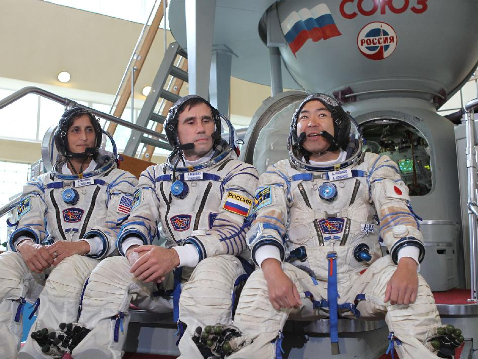Sunita Williams, Yuri Malenchenko and Aki Hoshide