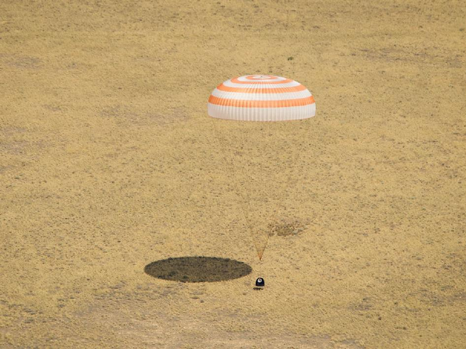 Expedition 31 lands