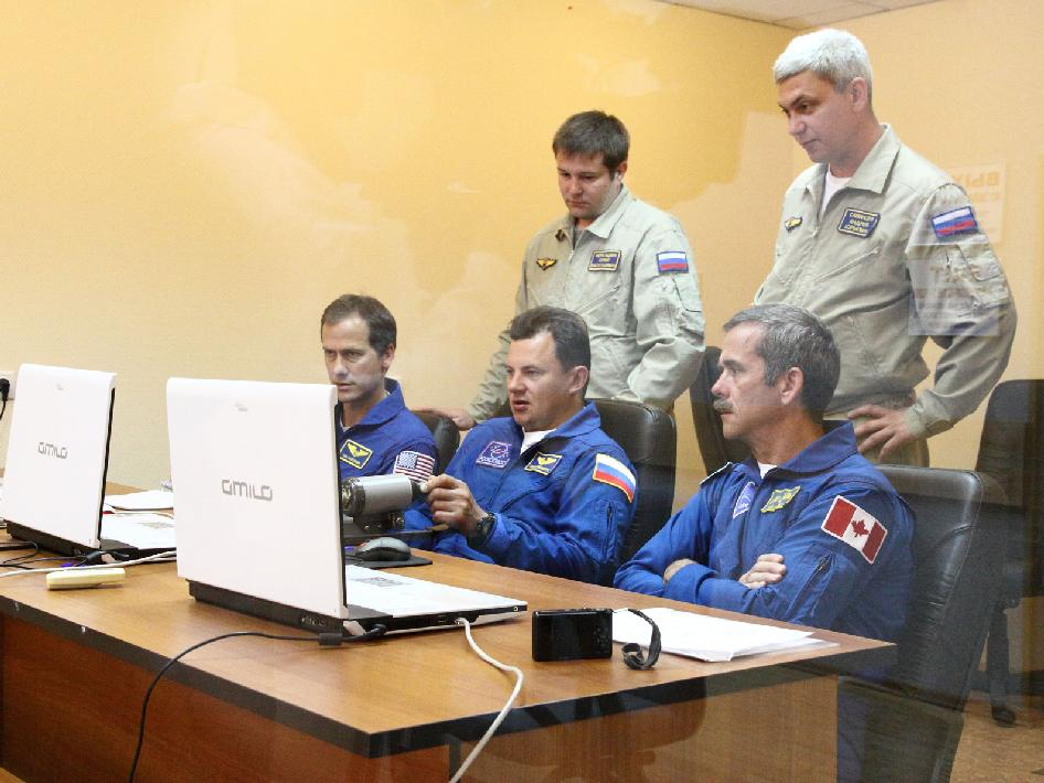 Expedition 32 backup crew members