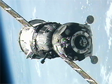 Soyuz TMA-05M approaches the station