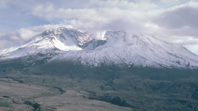 photo of Mount St. Helens in 1984