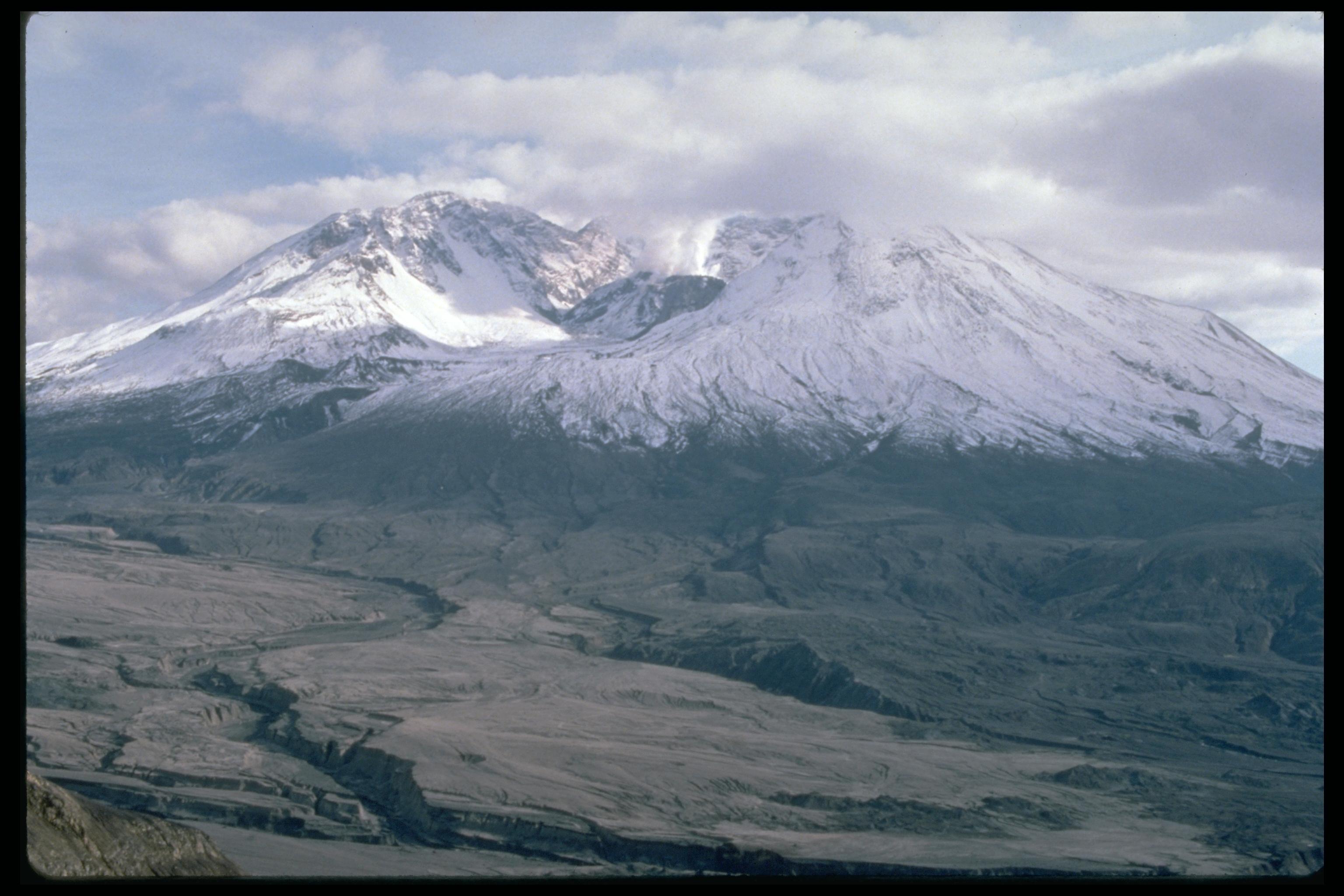 NASA - Landsat Top Ten - Mount St. Helens: Volcanic Eruption and Recovery