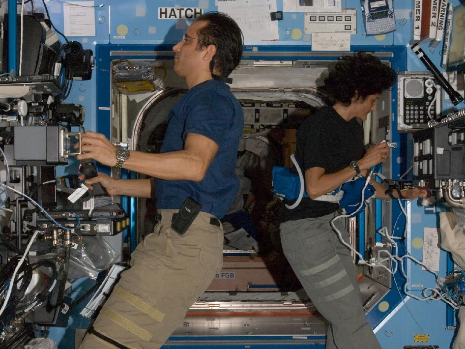 Expedition 32 Flight Engineers Joe Acaba and Sunita Williams