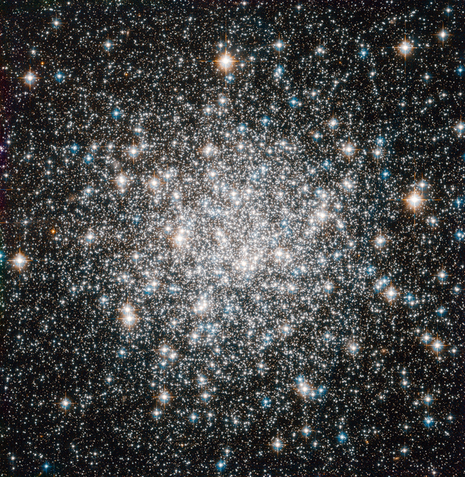 Hubble captures globular cluster Messier 68.