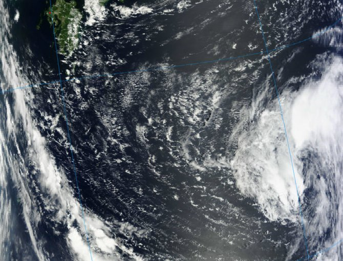 MODIS captured a visible image Haikui which is expected to pass to the north of Okinawa, Japan on August 5