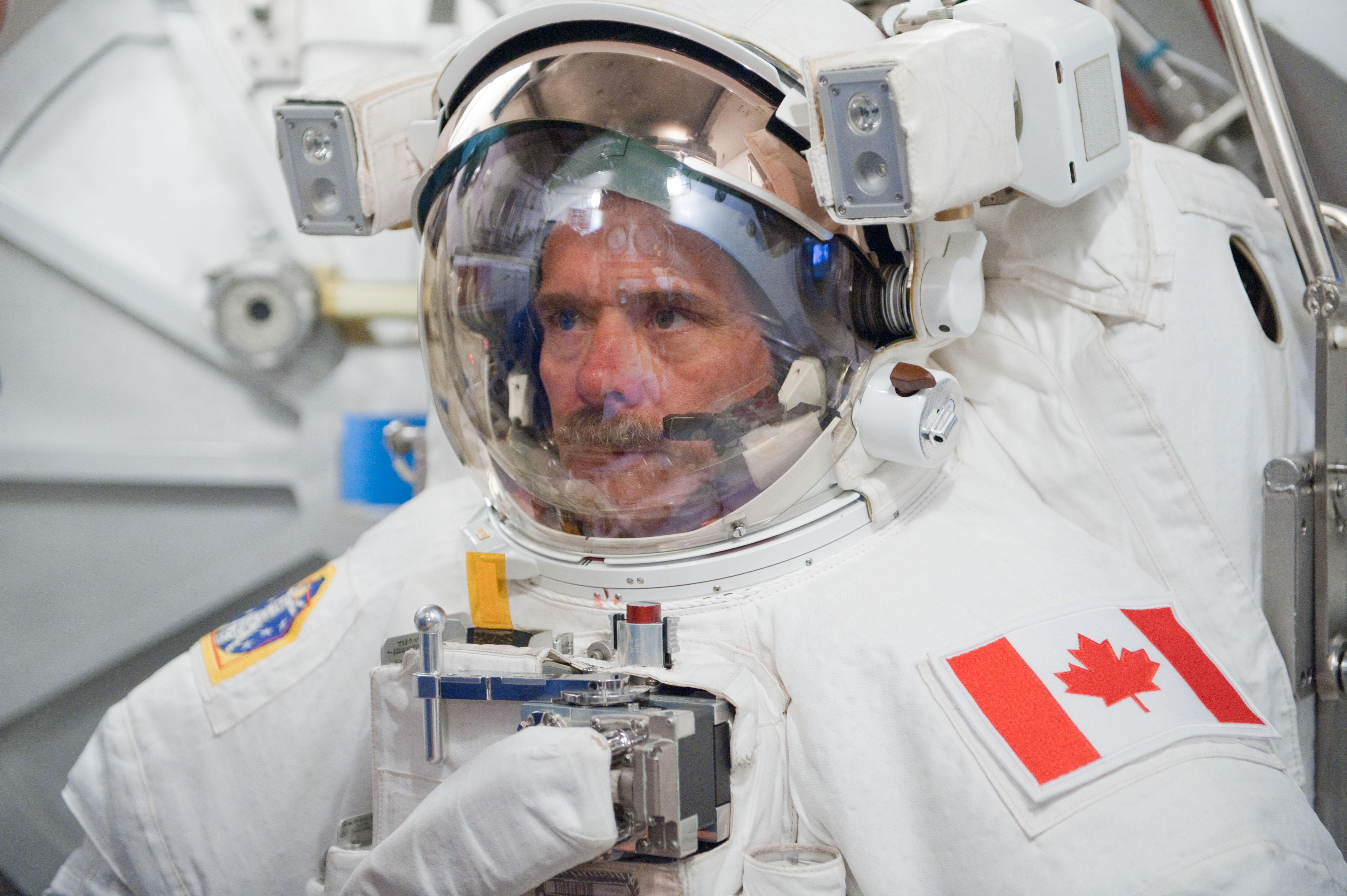 canadian space agency astronaut chris hadfield - photo #5