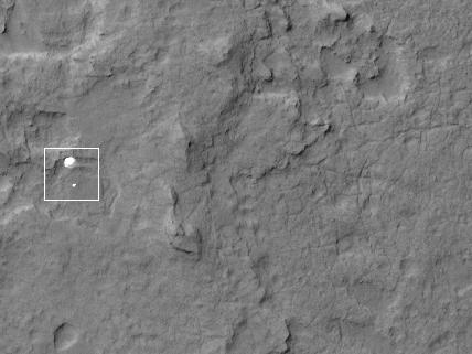 Curiosity Spotted on Parachute by Orbiter