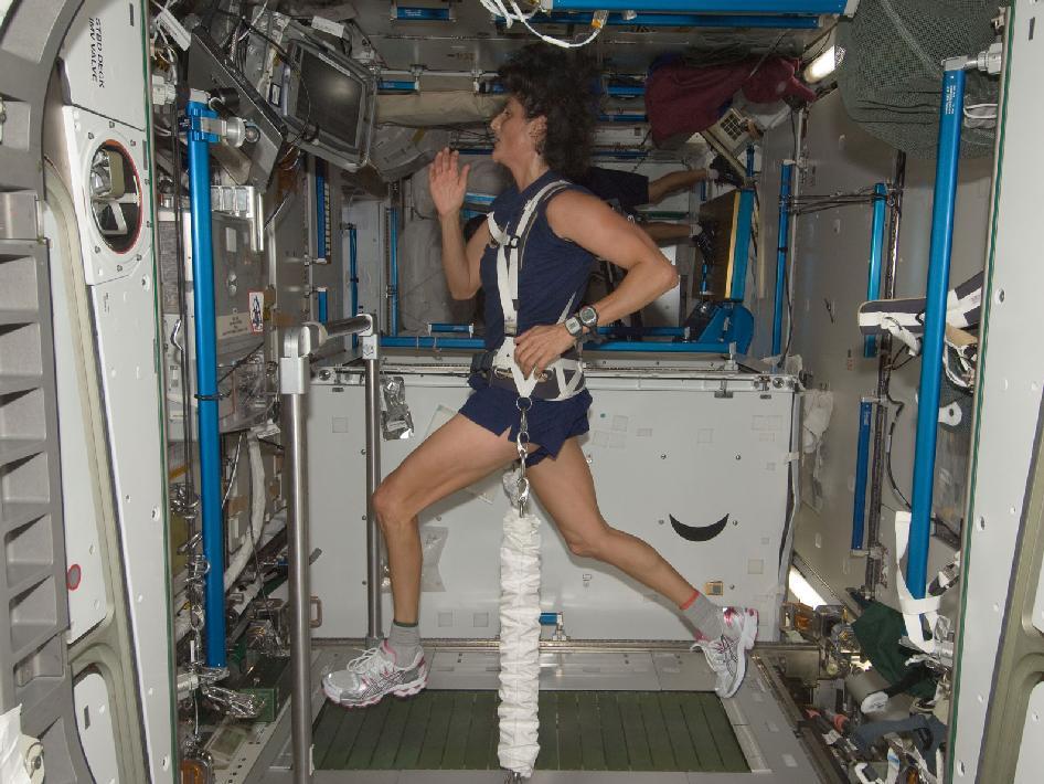 astronaut treadmill workout - photo #3