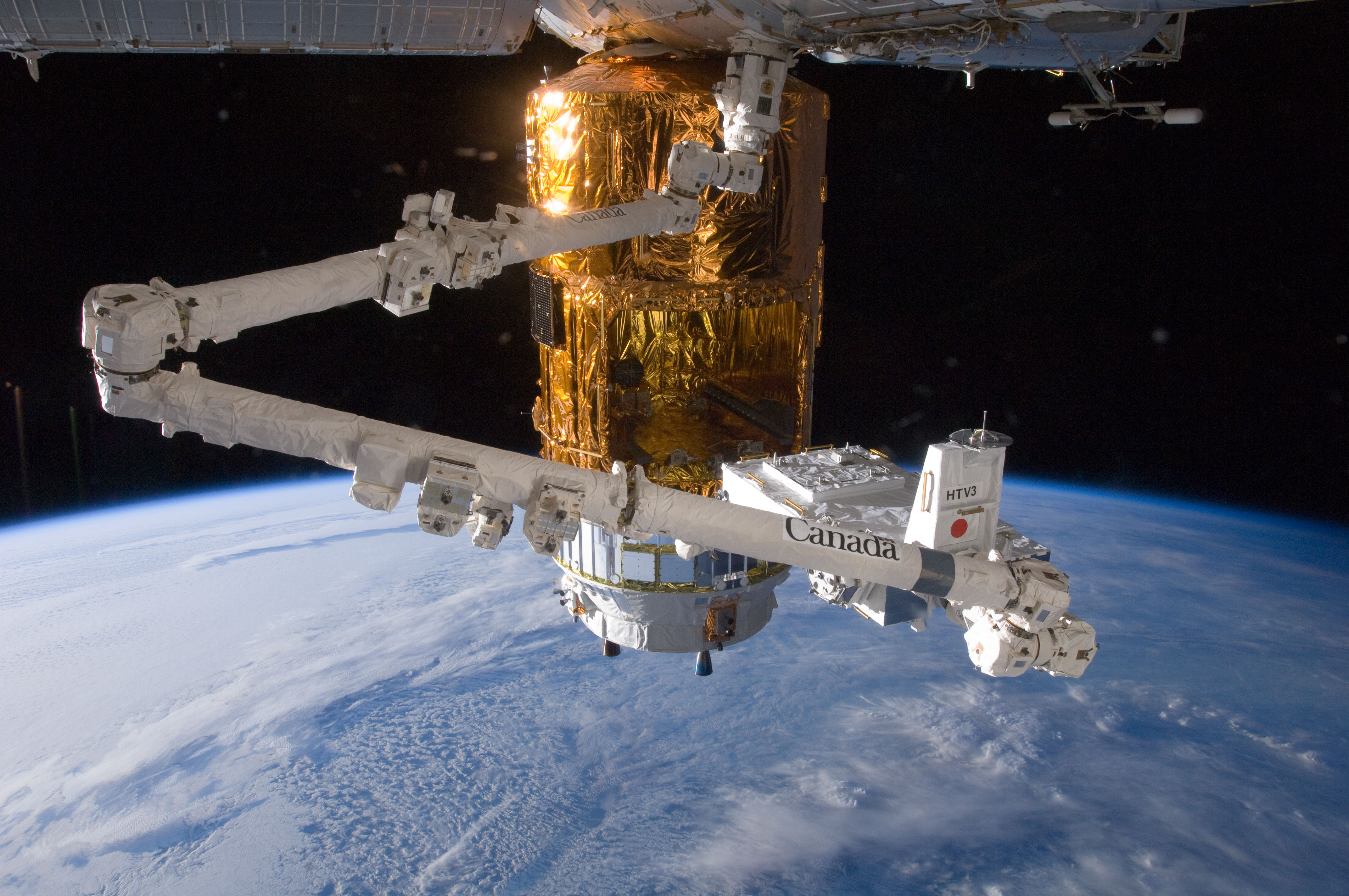 NASA - Canadarm2 and HTV-3