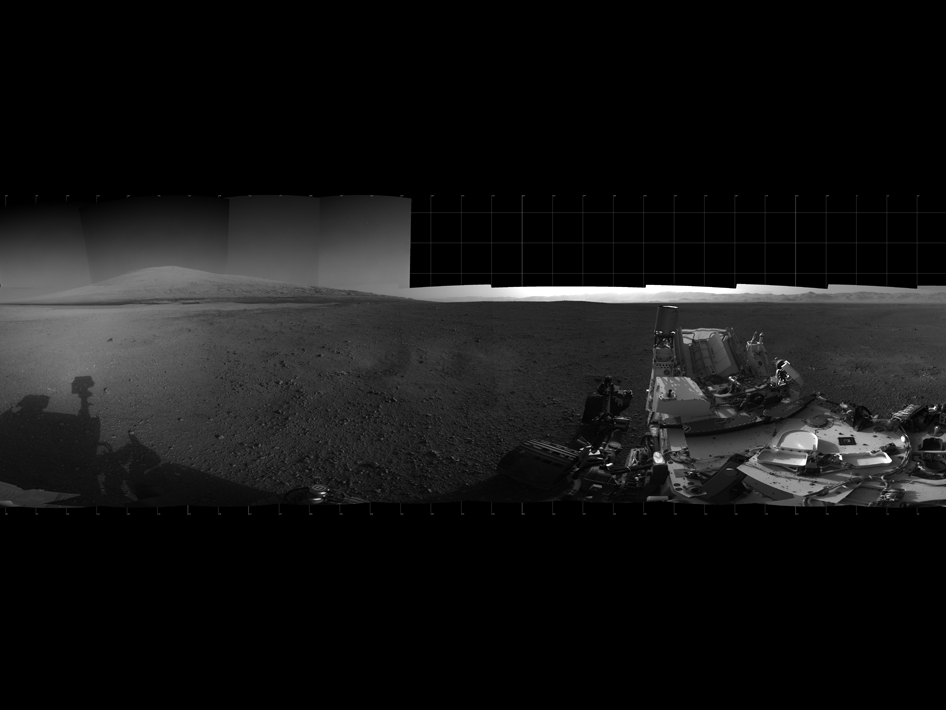 Curiosity rover's Panorama with Mount Sharp