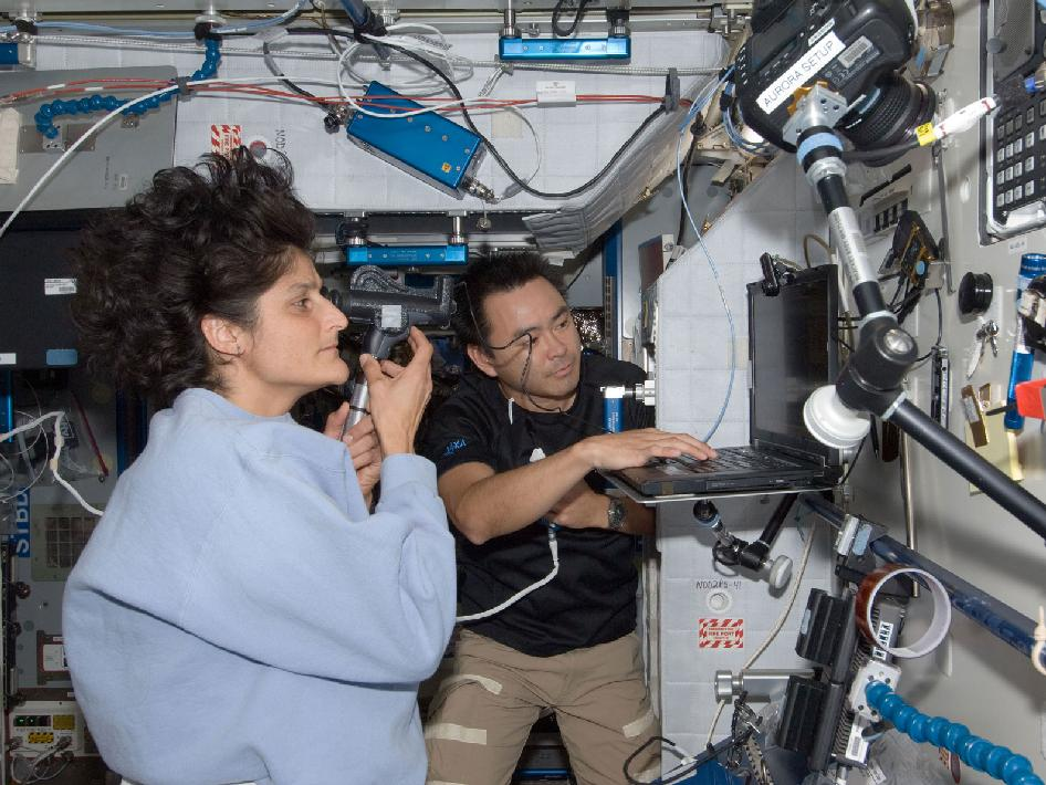 Suni Williams Astronaut 2012 (page 4) - Pics about space
