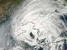 Visible image of Typhoon Bolaven over Korea and China