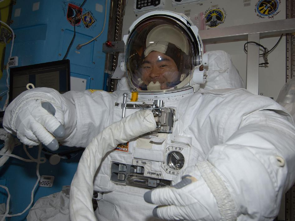 Expedition 32 Flight Engineer Aki Hoshide