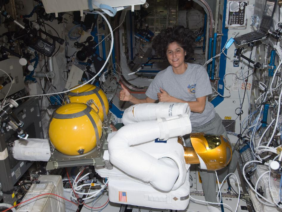 Suni Williams and Robonaut 2