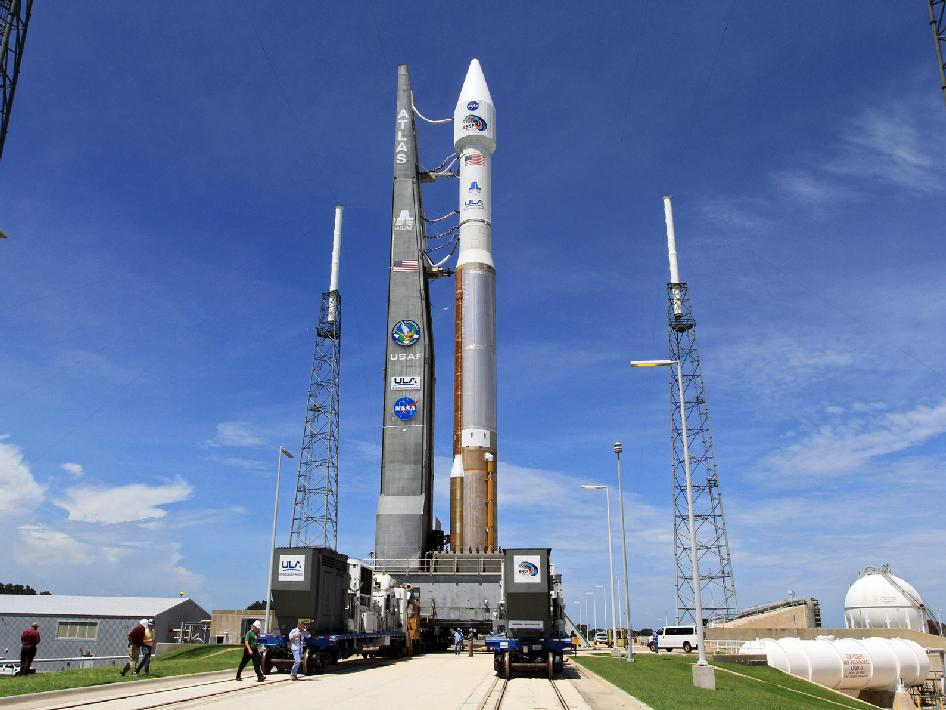 The Atlas V carries NASA's Radiation Belt Storm Probes back to the pad.