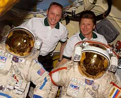 Expedition 9 crew