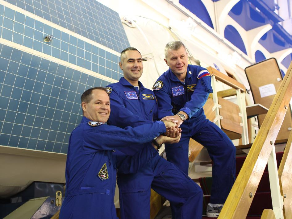 Expedition 33-34 Crew Members