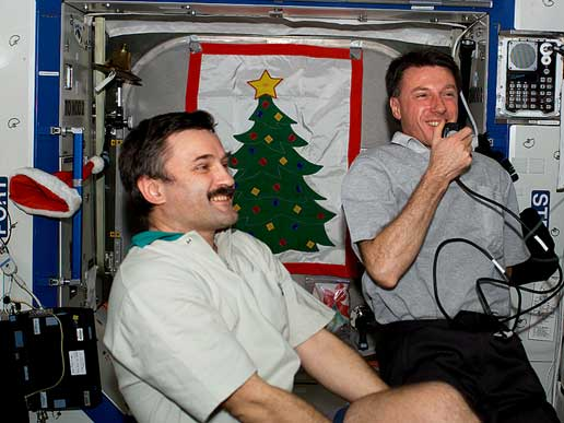 Expedition 8 Commander Alexander Kaleri and NASA ISS Science Officer Mike Foale