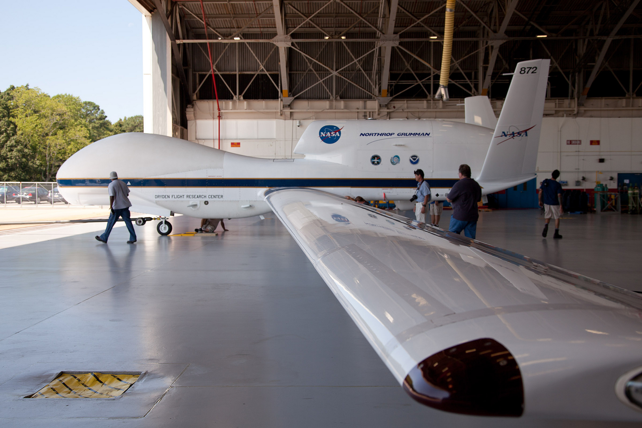 a nasa aircraft in hangar - photo #15