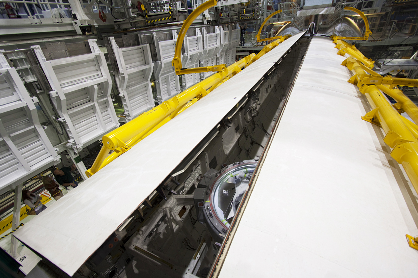 space shuttle payload bay doors - photo #29