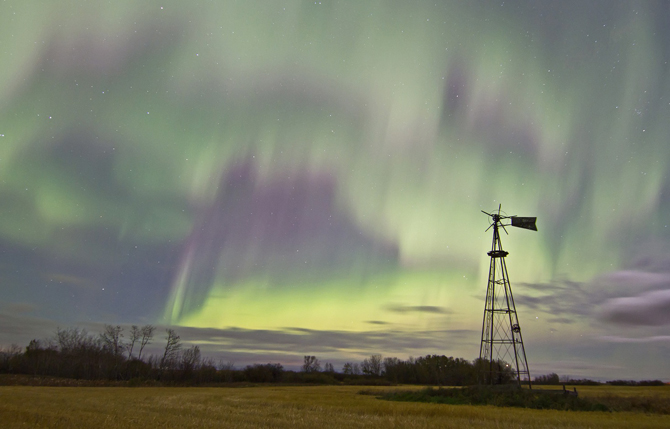 Aurora over Saskatoon, Saskatchewan, Canada in the early hours of Oct. 8, 2012.