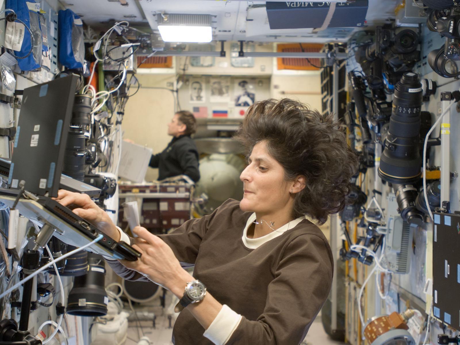 sunita williams in space station-#2
